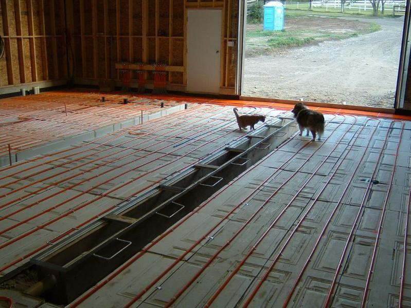 Учимся бетонировать пол в гараже своими руками 96