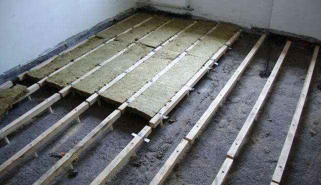 Укладка минваты на бетонный пол