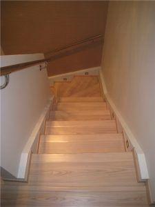отделать бетонную лестницу ламинатом