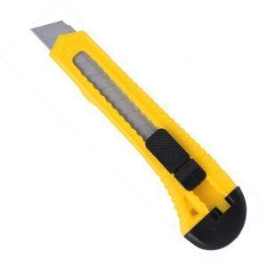 острый строительный нож