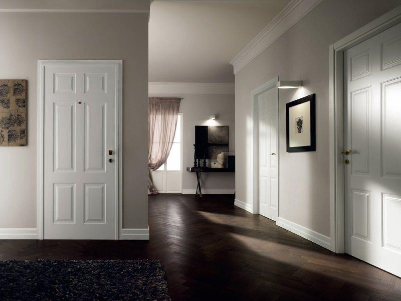 коридор коричневый пол