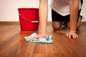 Чем и как мыть ламинат