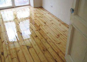 Как вернуть деревянному полу хорошее состояние?
