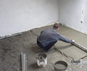 Заливка бетонного раствора на пол