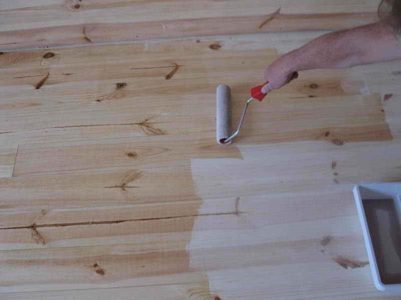 Чем застелить пол в деревянном доме