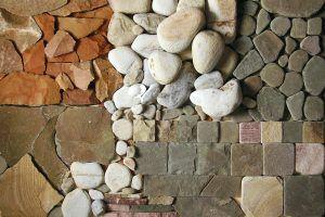 из крошки камня