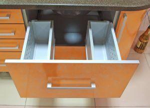 Кухня выдвижные ящики