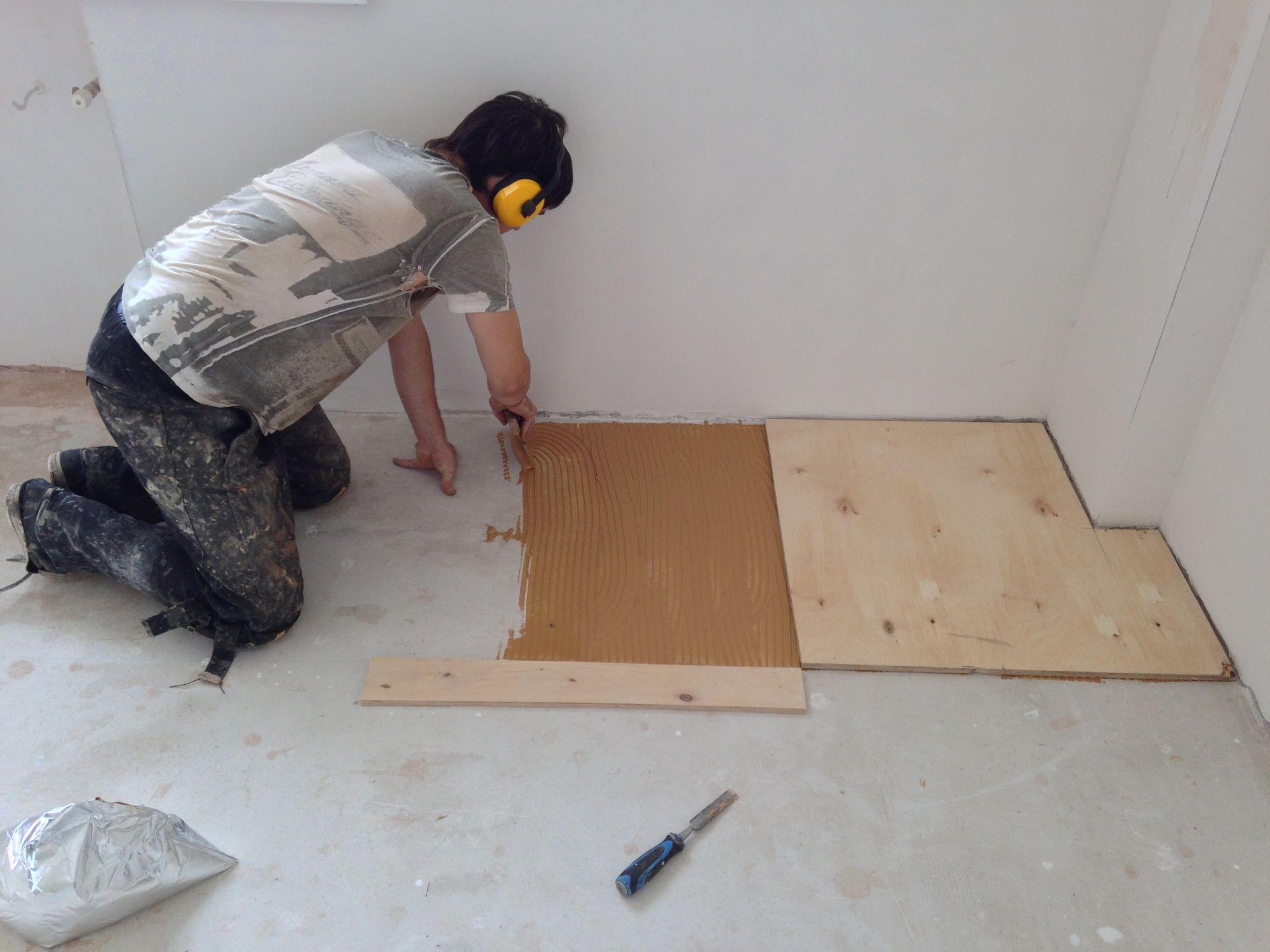 Как закрепить фанеру на бетонный пол