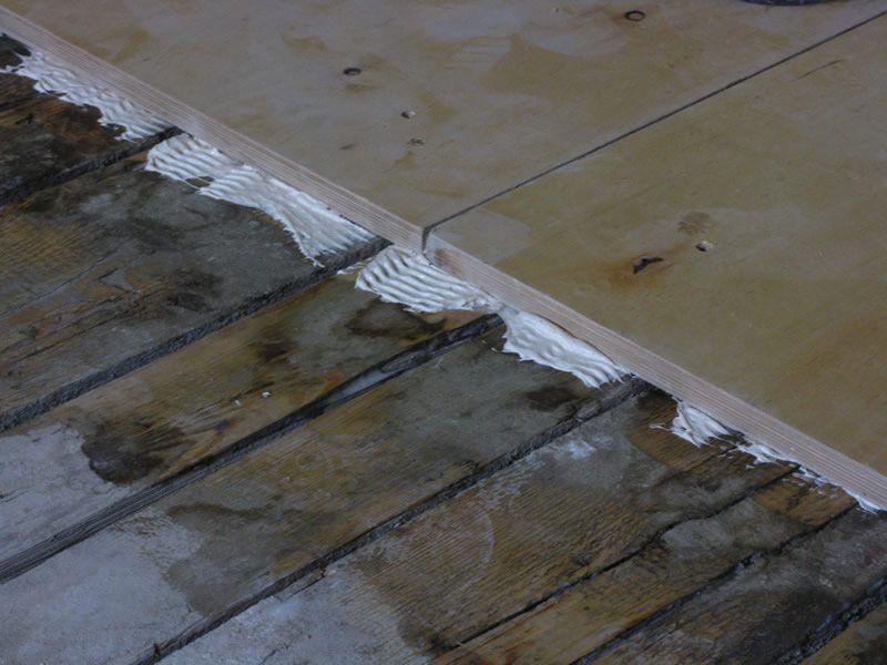 Как уложить фанеру на бетонный пол