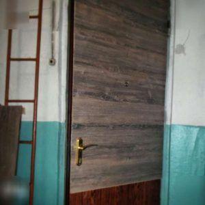 Обить дверь ламинатом